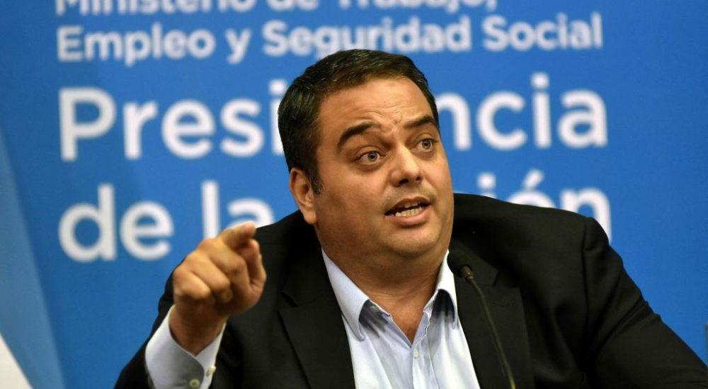 Laboralistas repudia las sanciones a Camioneros